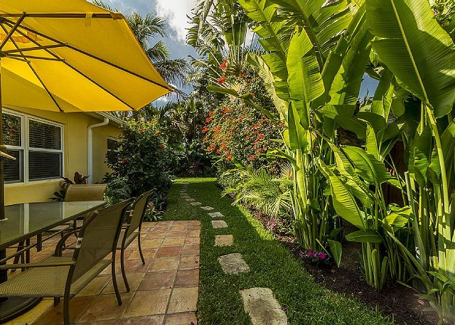 Casa Lola landscaping; a vacation rental near the best Fort Lauderdale Fishing Party Boats