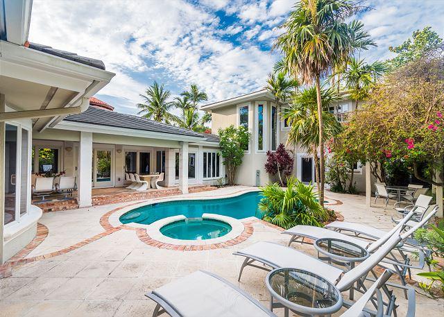 Havana House, a Fort Lauderdale Beach property