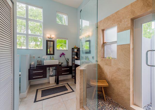 Hidden Oasis bathroom