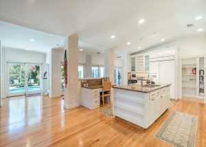 spacious kitchen in fort lauderdale vacation rental